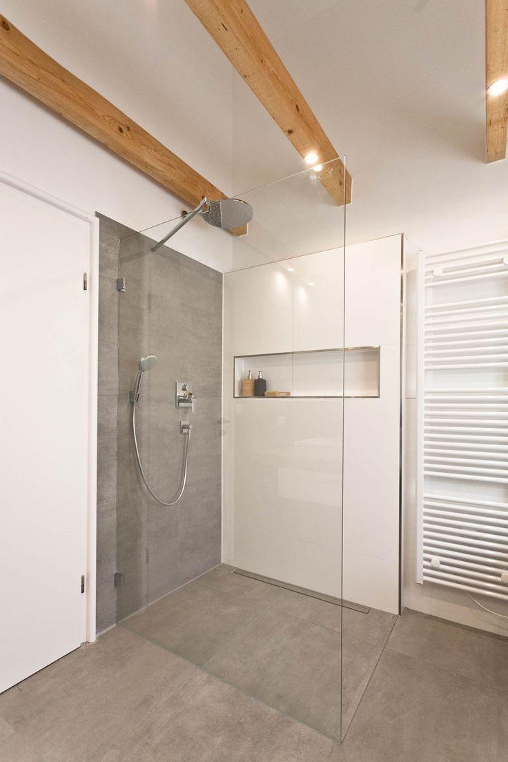 Bodengleiche dusche in betonoptik rustikale badezimmer von banovo gmbh rustikal | homify