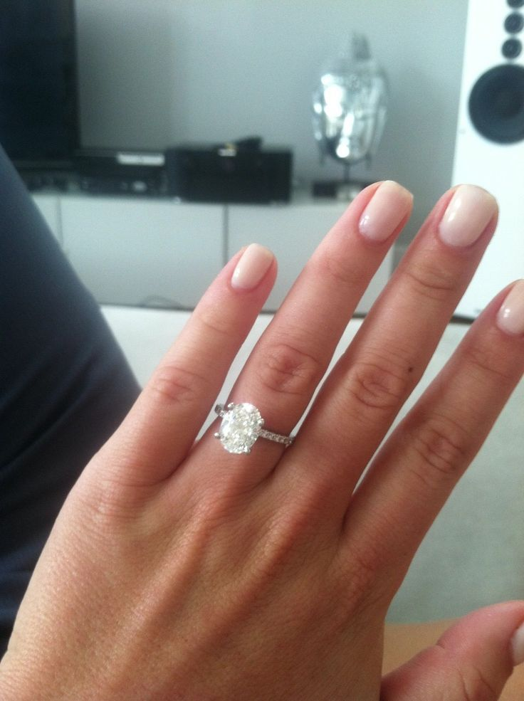 holiday engagement ring selfies with serious sparkle - Prettiest Wedding Rings
