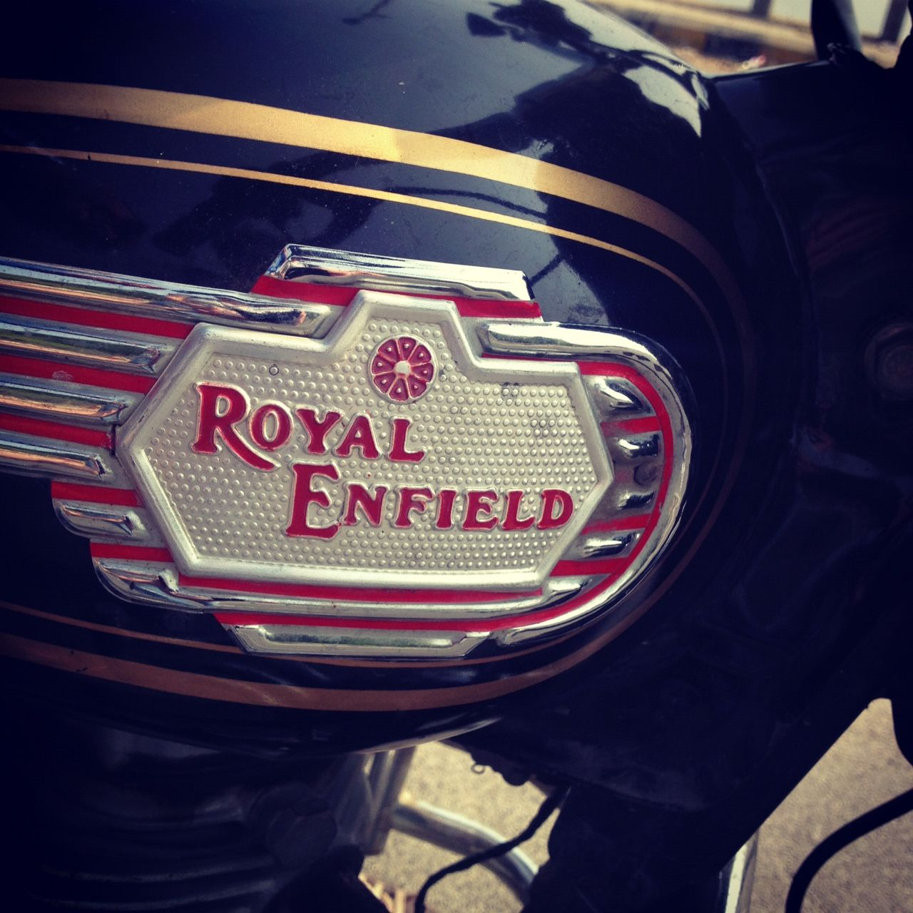 ^ 1000+ images about ool oyal nfield Motorcycles on Pinterest