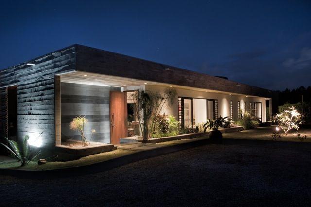 The Cg House Rethink Studio Concrete House Unique House Design Beach House Plans