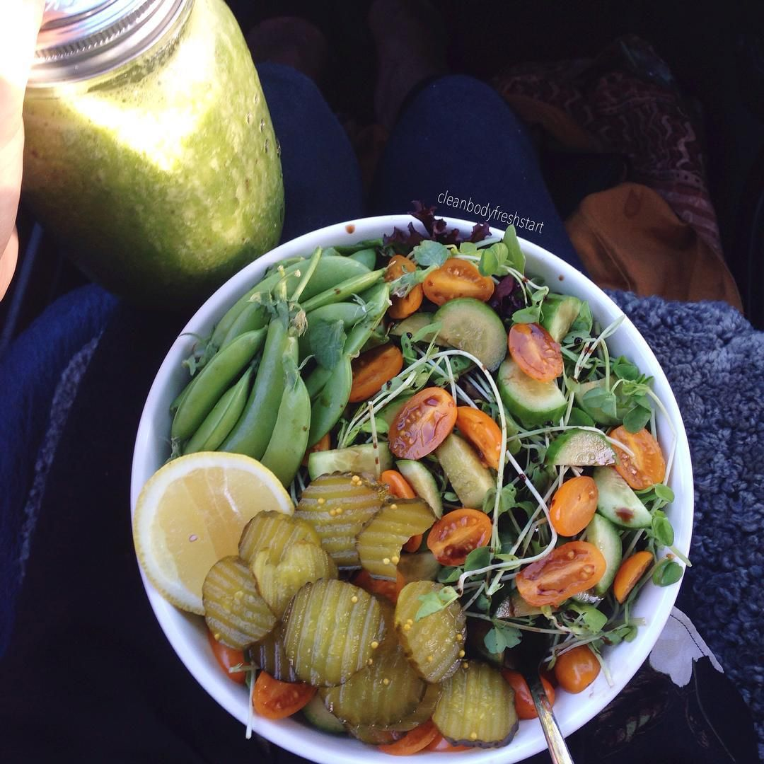 cleanbodyfreshstart:  today's afternoon salad (mixed greens, cucumber, cherry tomatoes, alfalfa sprouts with balsamic vinegar, some pickles, sugar snap peas and lemon) + a delicious green smoothie (frozen bananas, frozen apples, baby spinach, filtered water and a few drops of vanilla) || DELICIOUS ✿