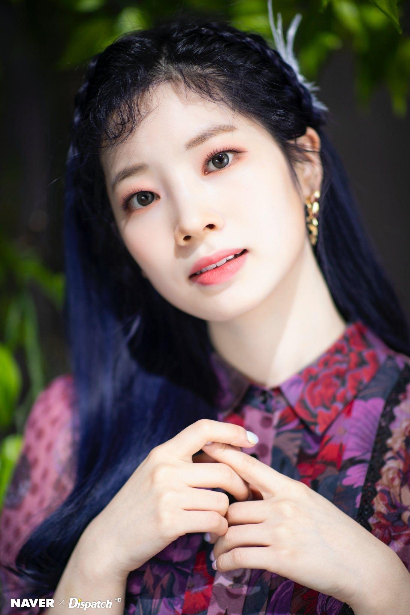 Ṭẉḯḉḙ에 있는 𝐉𝐈𝐒𝐎𝐎님의 핀 2020 미니앨범, 모어, 뮤직 비디오