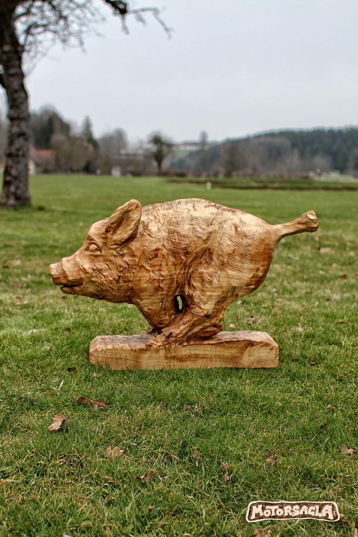 wildsau, material: fichte #motorsäge #holz #carving #wildboar