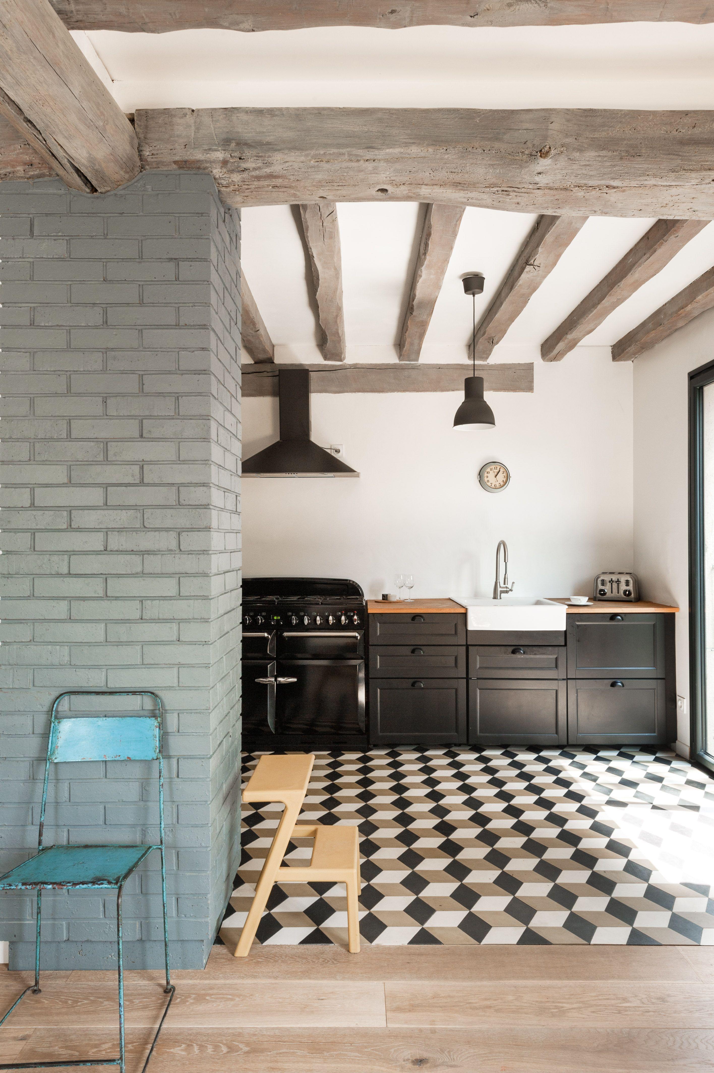 alice b rencontre un archi cuisine style classique remise au go t du jour gr ce l 39 effet. Black Bedroom Furniture Sets. Home Design Ideas