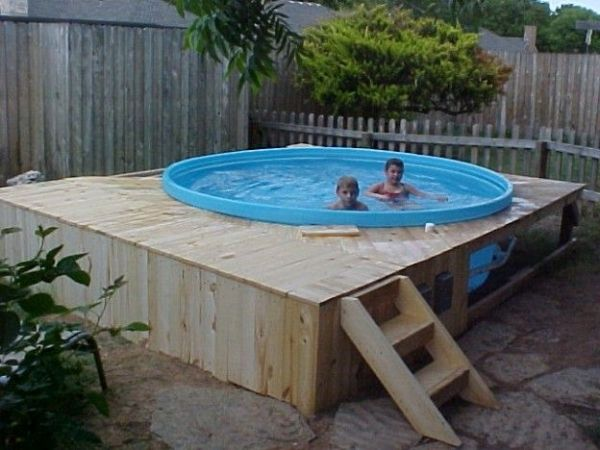 Pallet pool 600 450 pools pinterest for Garden pool made from pallets
