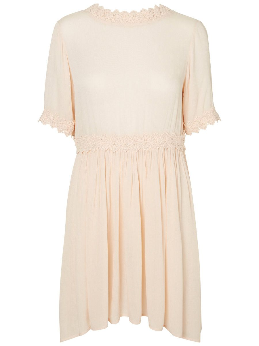 63d9ff749f5 This is the cutest VERO MODA dress for summer holidays!