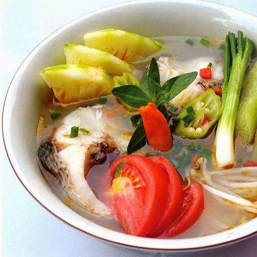 Cuisine Vietnamienne: Soupe De Poisson Au Tamarin (Canh Ca)