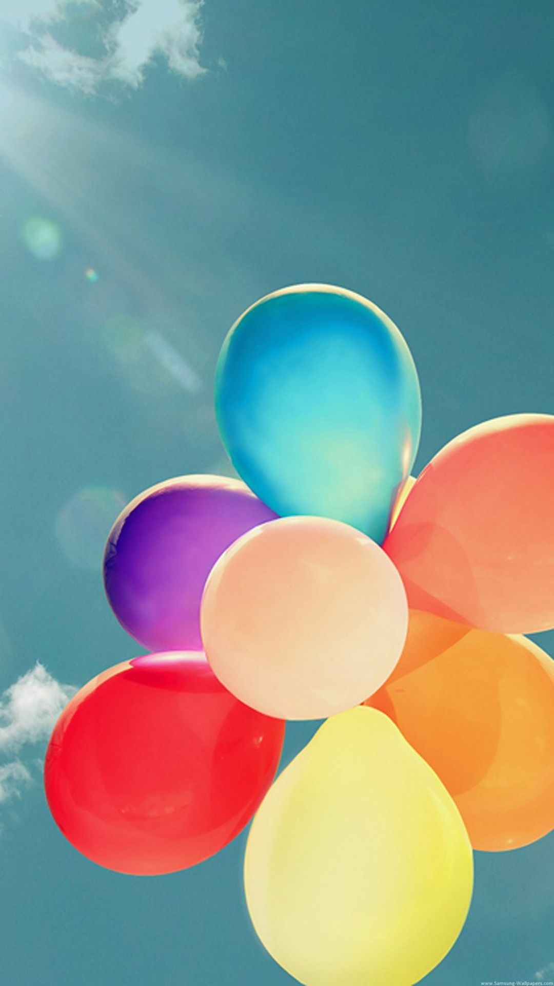 Colorful Balloons Bunch Flying High Iphone 6 Plus Wallpaper Iphone Wallpaper 3d Effect Iphone 5s Wallpaper Home Screen Wallpaper Hd