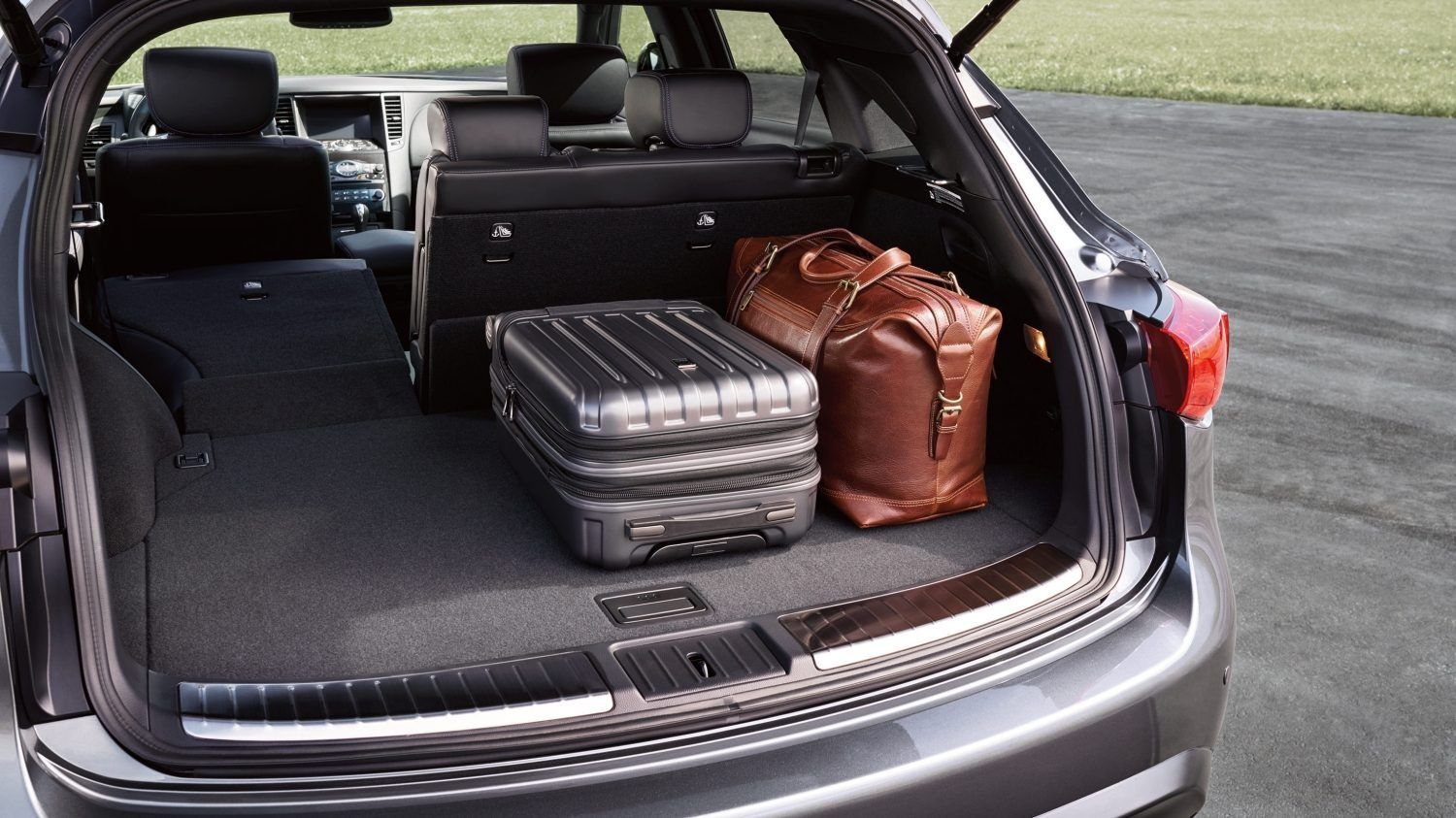 2017 Infiniti Qx70 Crossover Suv Rear Cargo Capacity With Images