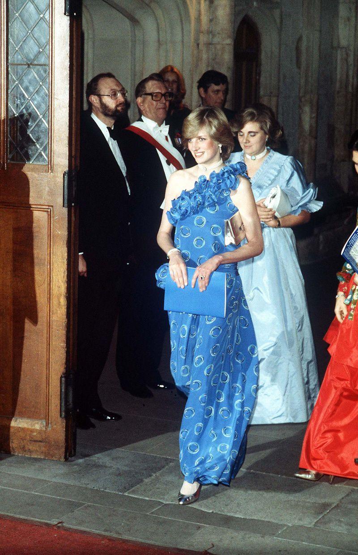 Всякие королевские oops ) | Newly pregnant, Ballet performances and ...