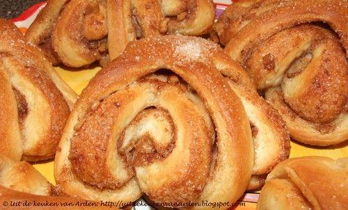 Uit de keuken van Levine: Kaneelbroodjes / Cinnamon rolls
