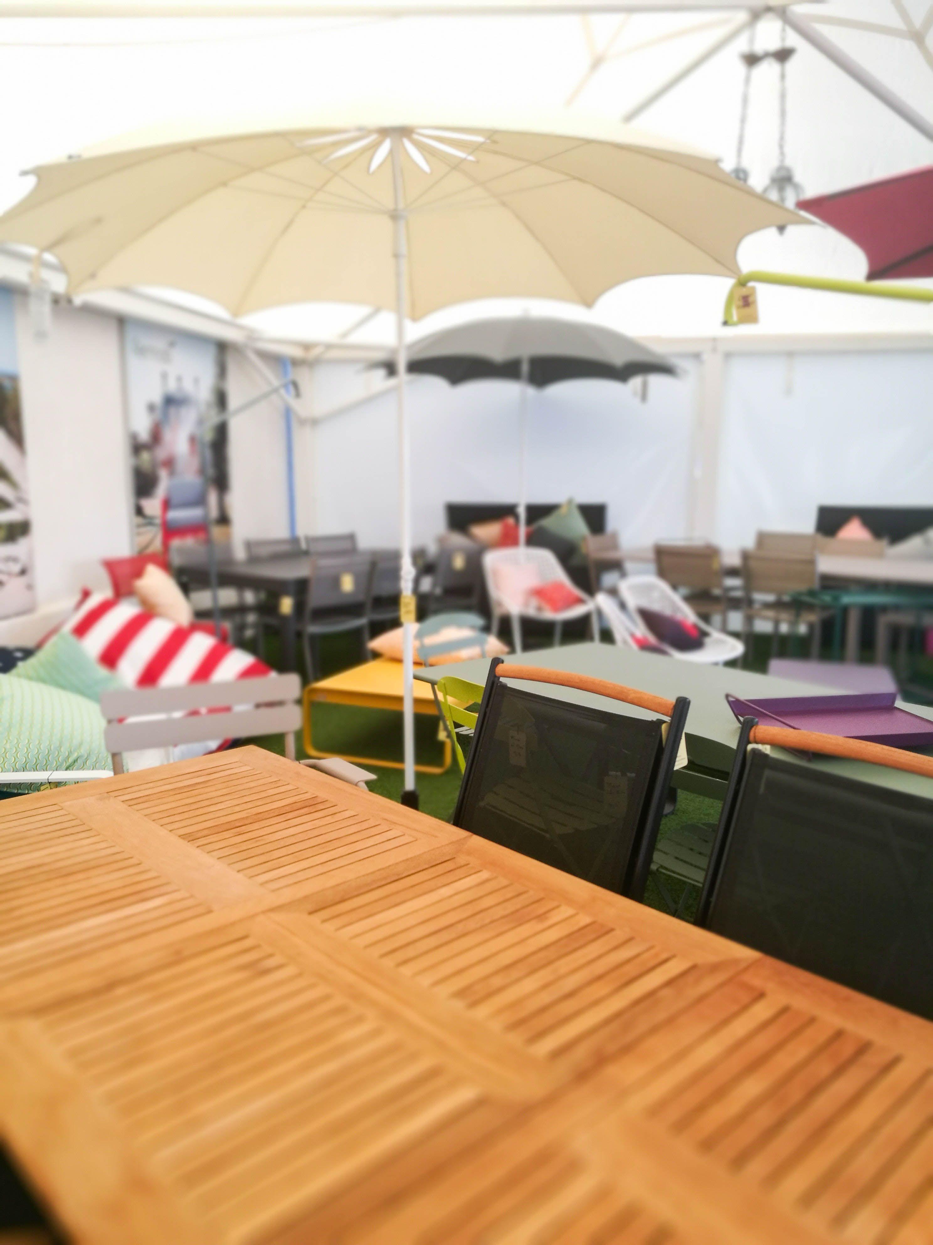 Notre tente Fermob haute en couleur ! #deco #décoration ...