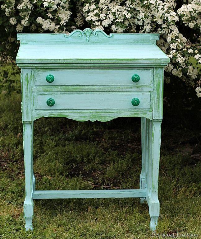 Vaseline Distressed Furniture Finish petticoat junktion #vaselinedistressed #layeredpaint #turquoiseandgreen
