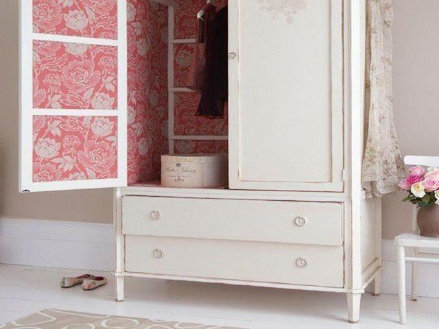 Relooker un meuble avec du papier peint! Voici 20 idées Shabby
