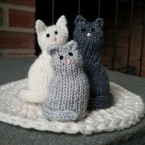 World Wide Knit In Public Day: 7 Cat-Themed Knitting Necessities - CatTime