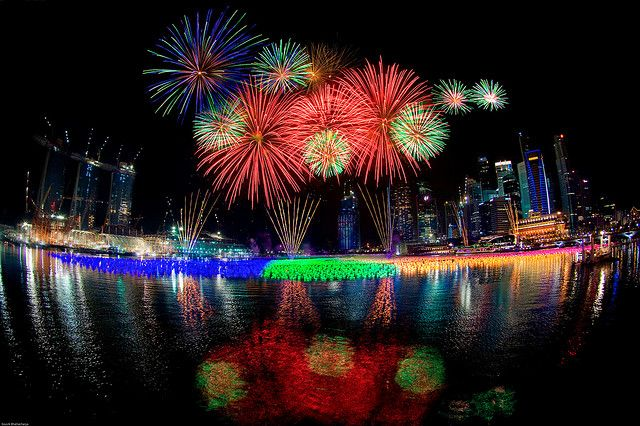 singapore new year 2010 fireworks by souvik_prometure
