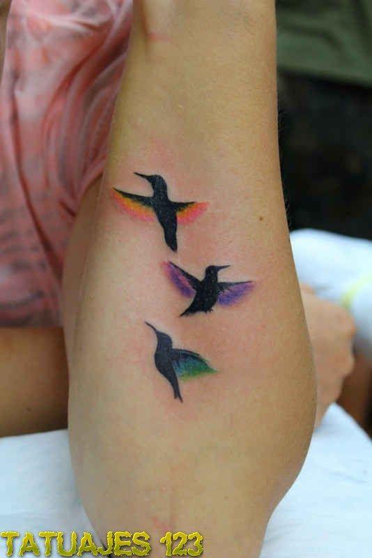Tatuajes 123 Brazo Tatuaje De Tres Pájaros Con Color Tatoo