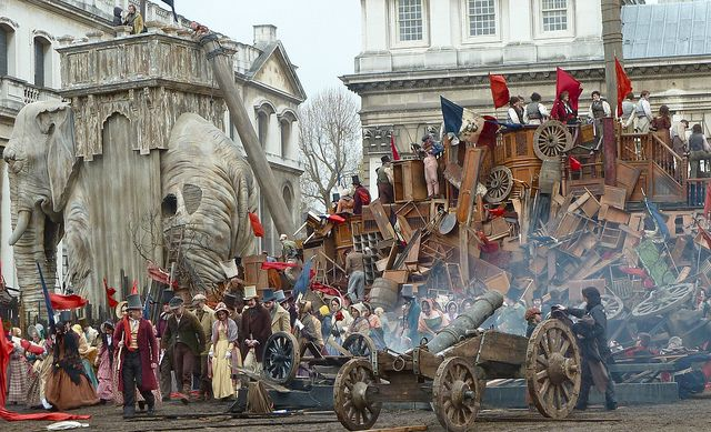 Les Mis (2012) | Extras on location for filming of Les Misérables ...