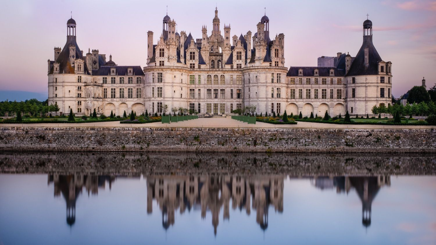 Architectural Guides For Travellers  Chateaux Of The Loire