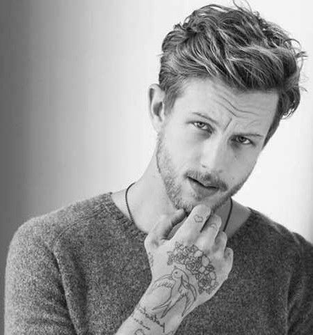 Fashionable Men S Haircuts 2016 Men S Short Haircuts For Wavy Hair Men S Hairstyles And Haircuts Fo Fashion Inspire Fashion Inspiration Magazine Be Wavy Hair Men Mens Hairstyles Short Short Wavy Hair