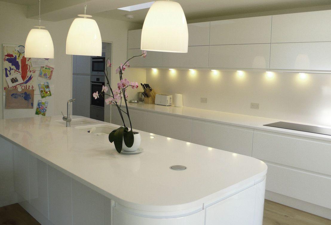 Uma Cozinha Moderna Com Ilha Pinterest Cucina