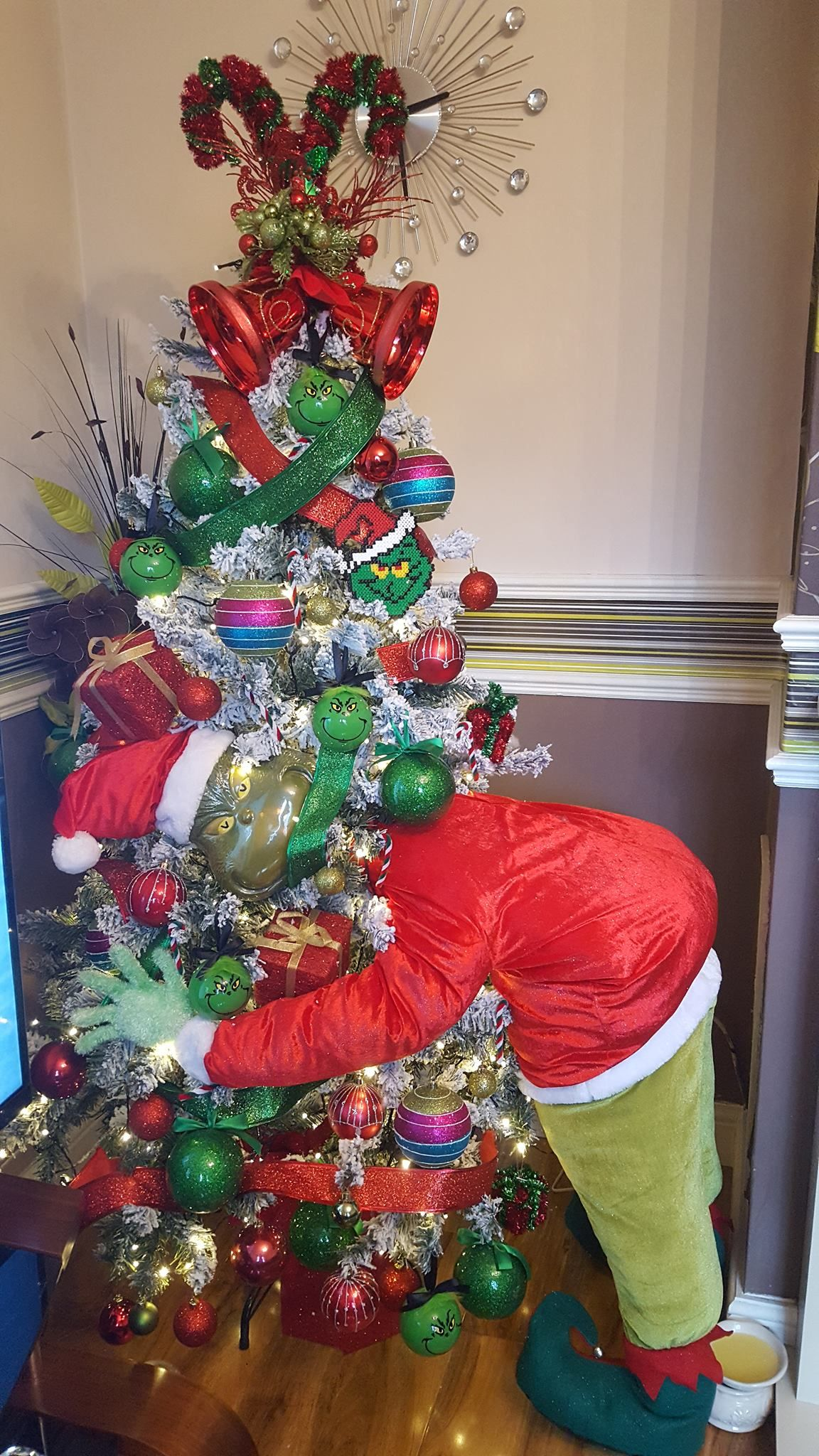 The Grinch Christmas Tree Cool Christmas Trees Grinch Christmas Tree Unique Christmas Trees
