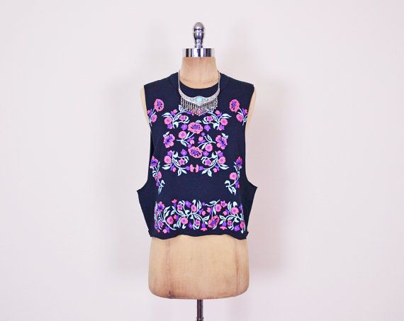 #Vintage #Black #Floral #Top #Pink Floral Print Top Deep Armhole #Tshirt #Sleeveless T-Shirt #Crop T-Shirt #80s T-Shirt #90s #Grunge T-Shirt S Small M Medium #DeepArmhole #Etsy #EtsyVintage #TrashyVintage @Etsy $28.00