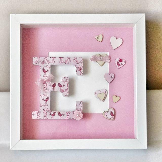 """Quadretto delle serie """"Monogram"""" per una bimba di nome Emma! Buon Natale!!!! Cornice in legno bianco 25x25cm  #intrecciamo❤ #monogram"""