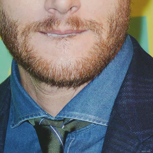 Ginger beard + biting lip = death jensen ackles cw upfronts