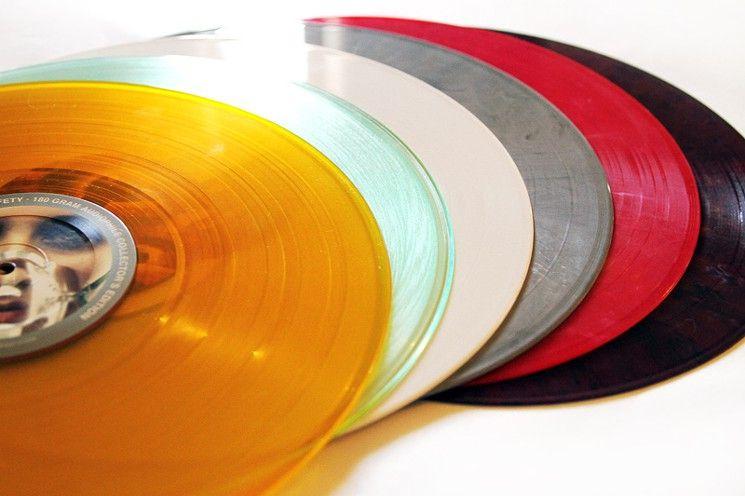 Why Cds May Actually Sound Better Than Vinyl Vinyl Sales Vinyl Vinyl Addict