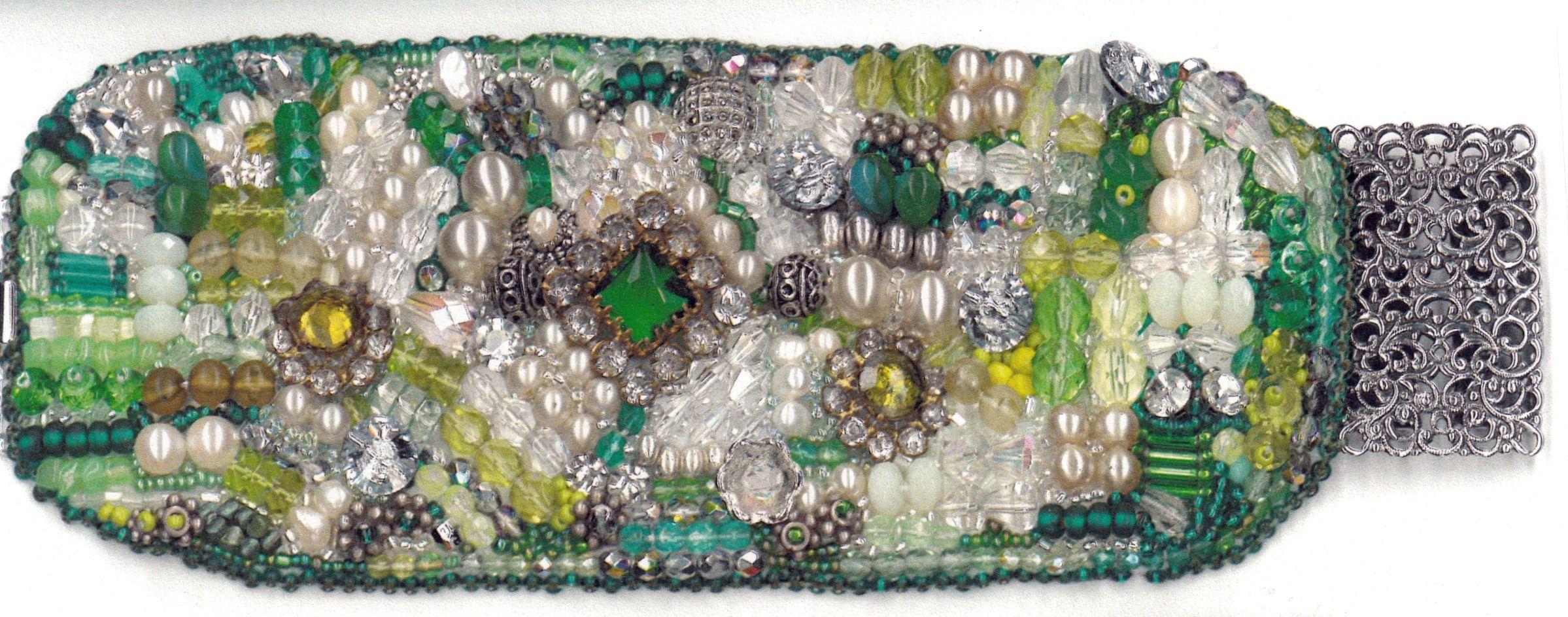 Perlenarmband - Perlen entnommen aus einer alten bulgarischen Bauernhochzeitskrone/Handarbeit/Anke Weidner