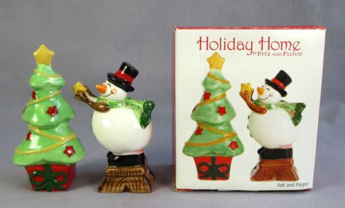 FITZ & FLOYD HOLIDAY HOME WISHES SALT PEPPER SHAKERS CERAMIC NEW in BOX