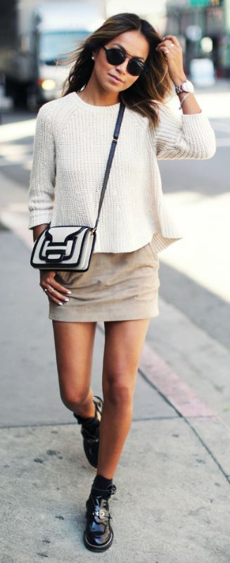 Julie Sarinana showing off the suede trend in this perfect neutral spring  outfit Sweater  Madewell 90f94cc61