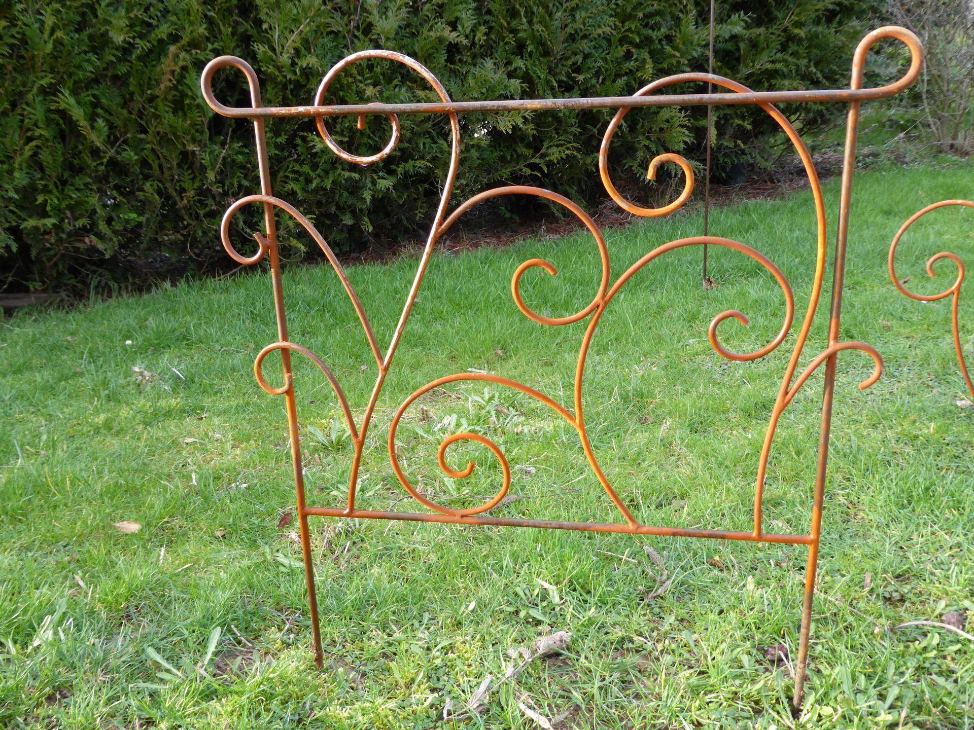 pin by fernande st jean on bricolages m tal pinterest yard art garden art and garden ideas. Black Bedroom Furniture Sets. Home Design Ideas