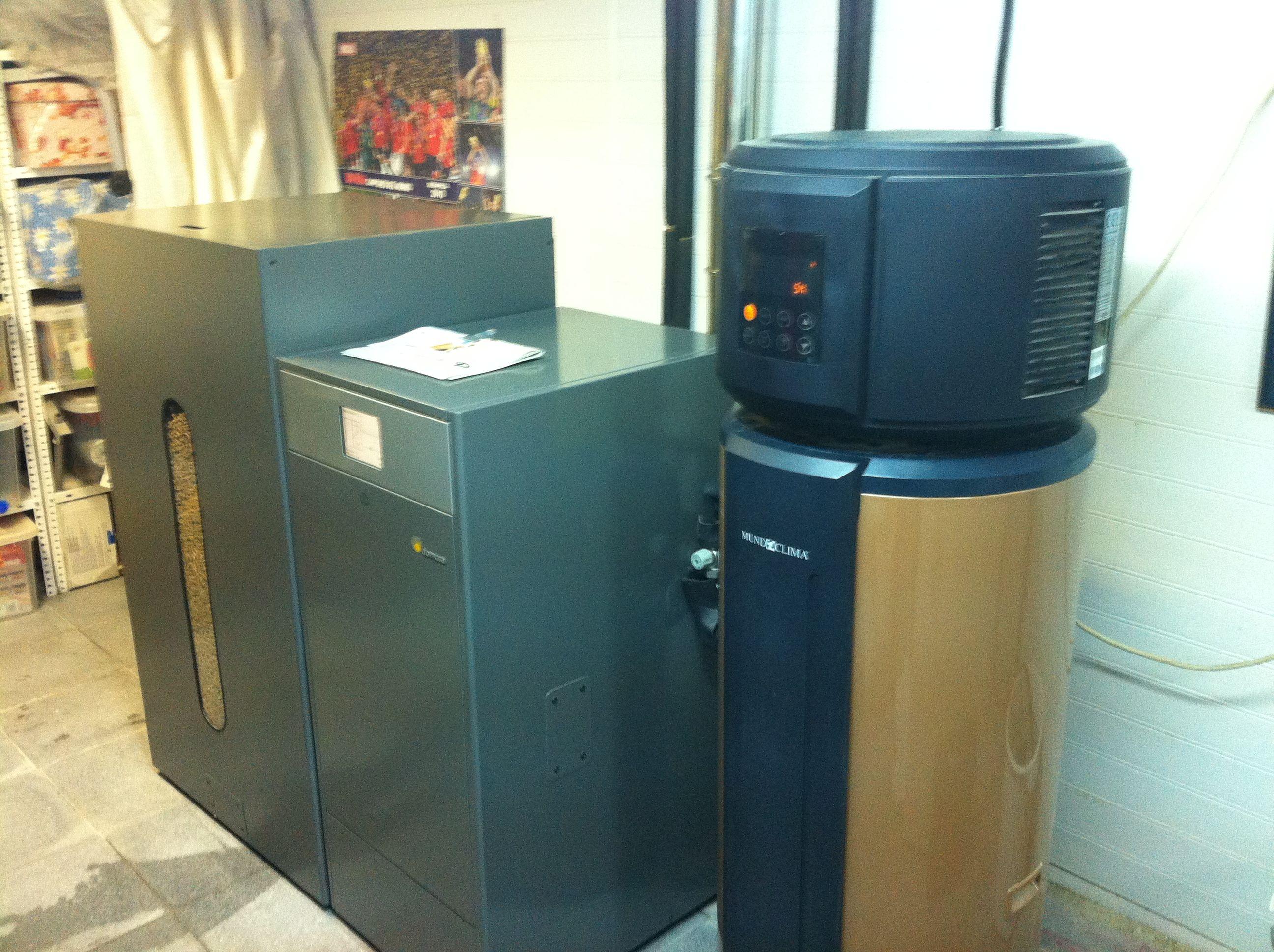 Instalaci n domusa bioclass y bomba de calor aerot rmica for Calderas de pellets domusa