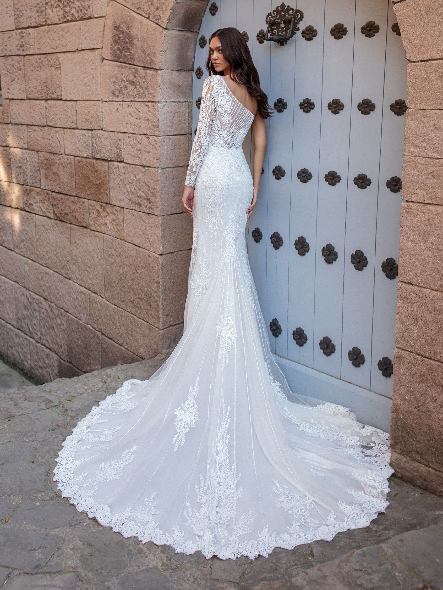 Pin On Bridal [ 2255 x 1691 Pixel ]