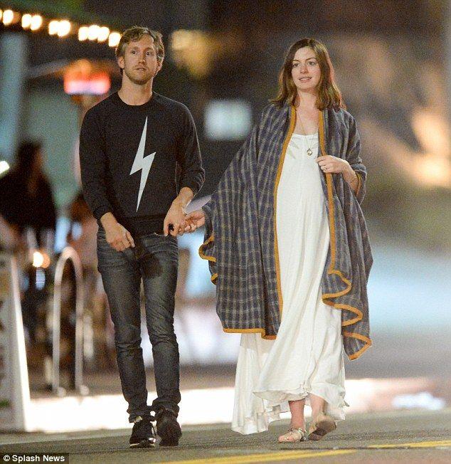 Anne Hathaway Adam Shulman dating