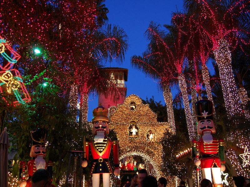 At Christmas time the Mission Inn is decorated with millions of lights. Youu0027ll love checking out this holiday tradition. & festival-of-lights-riverside-inn | Places | Pinterest | Holiday ... azcodes.com