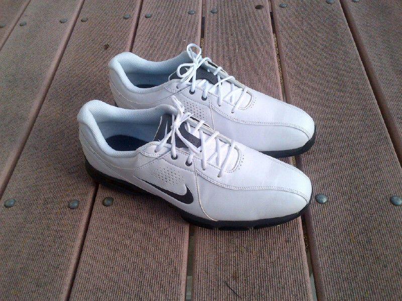 nike shoes size 10.5 used 832982