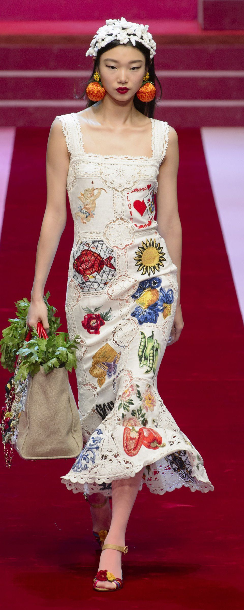 a30f1f21963 Dolce  amp  Gabbana Spring-summer 2018 - Ready-to-Wear - http