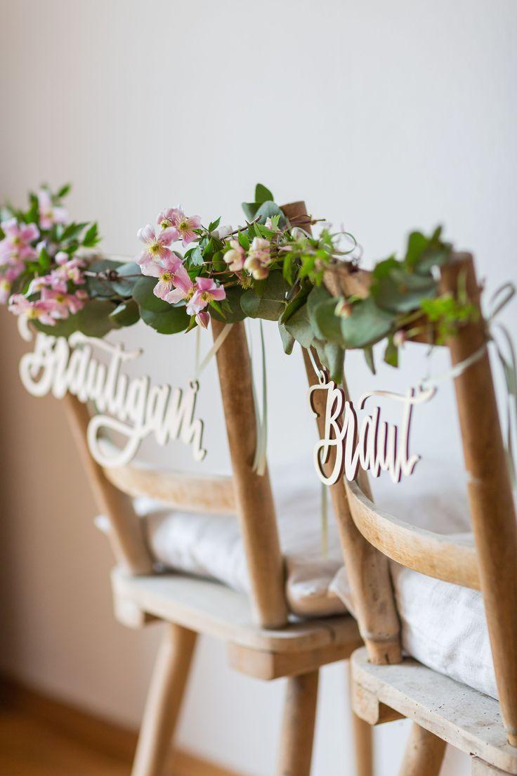 Stuhlschild Hochzeit Braut und Bräutigam - Ideen für die Dekoration | Hochzeitsblog The Little Wedding Corner