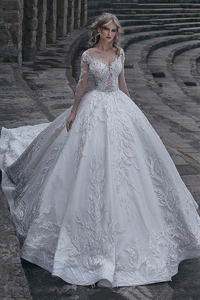 38c65e200277 Acquista 2018 tulle maniche lghe con scollo a barchetta a abiti da sposa con  cappella applique xd23b20 In linea
