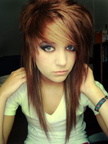 Emo hairstyles for girls latest popular emo girls haircuts cute long straight emo hairstyles for girls urmus Choice Image