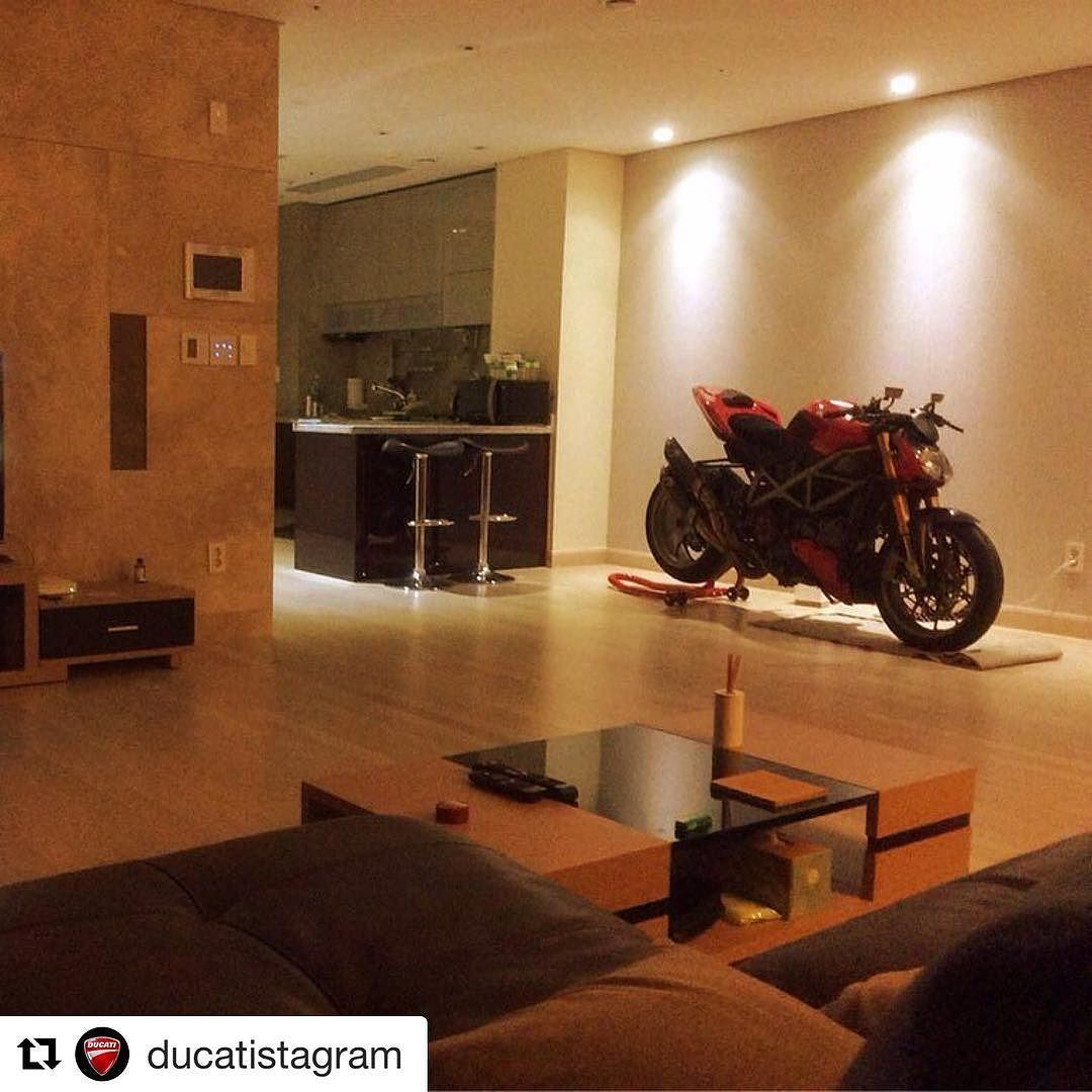 Pin by Michael Friese on Wohnung | Apartment design, Ducati ...