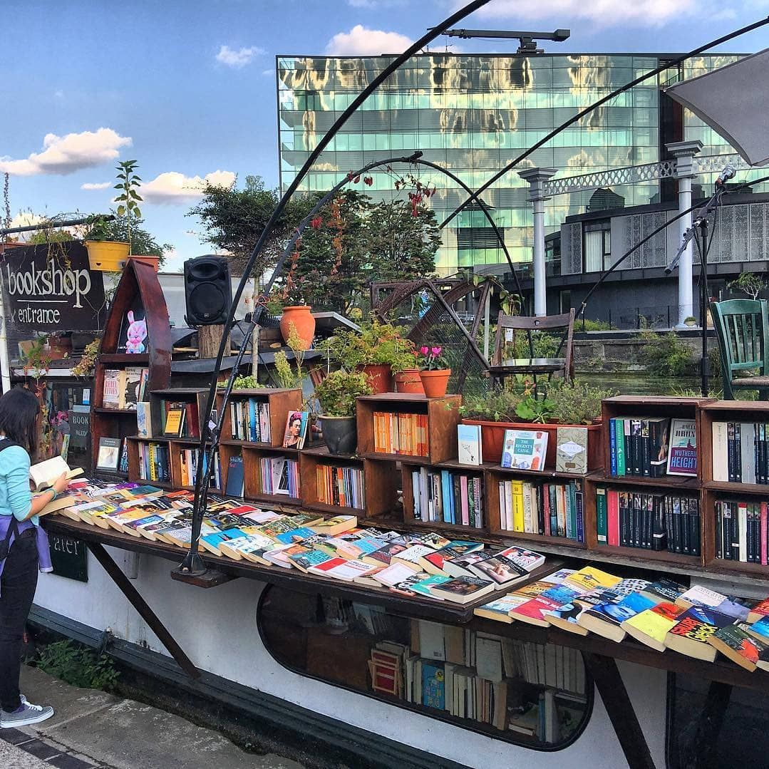 Time Out London On Instagram King S Cross Floating Bookshop