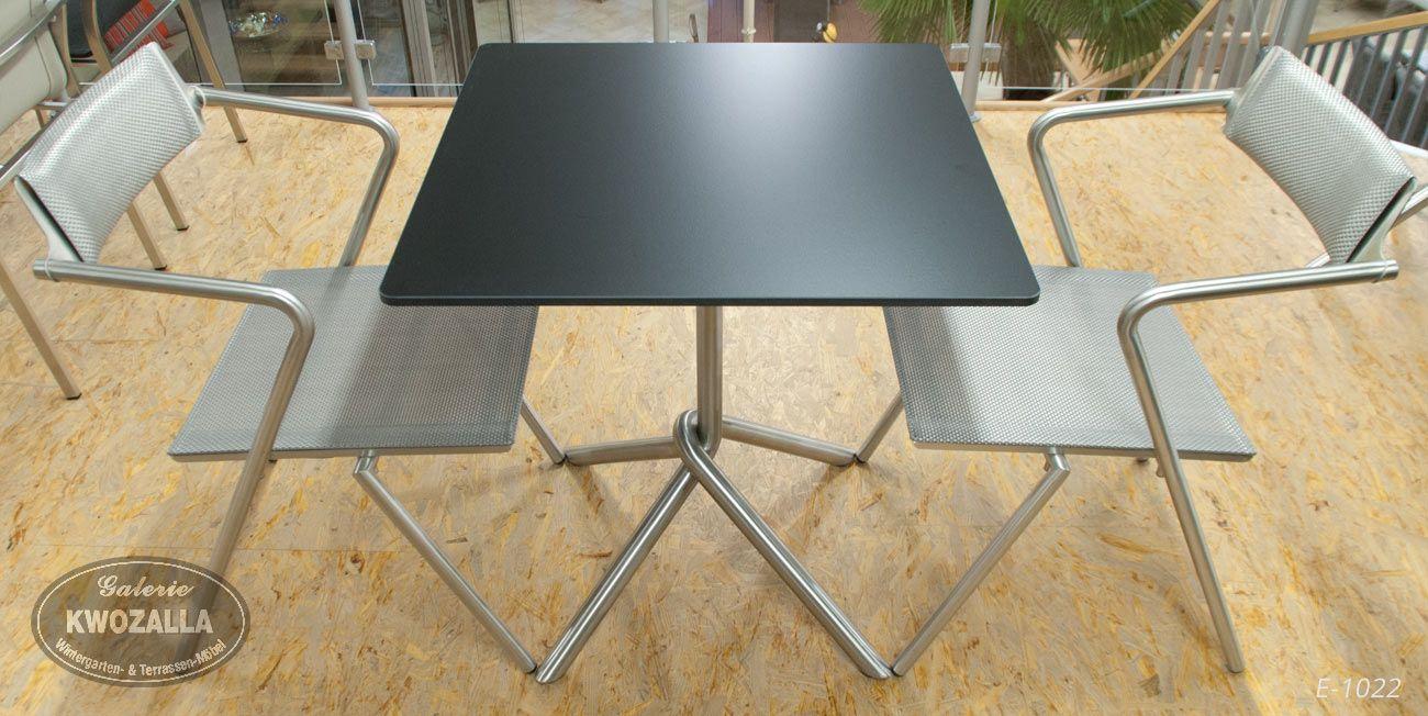 st hle aus edelstahl und textilene tisch mit. Black Bedroom Furniture Sets. Home Design Ideas