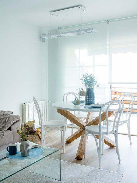 Un mini piso luminoso y joven   comedor   Mesas de cocina, Mesa ...