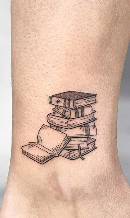 Photo of 23 Awesome Tattoo Ideas for Book Lovers