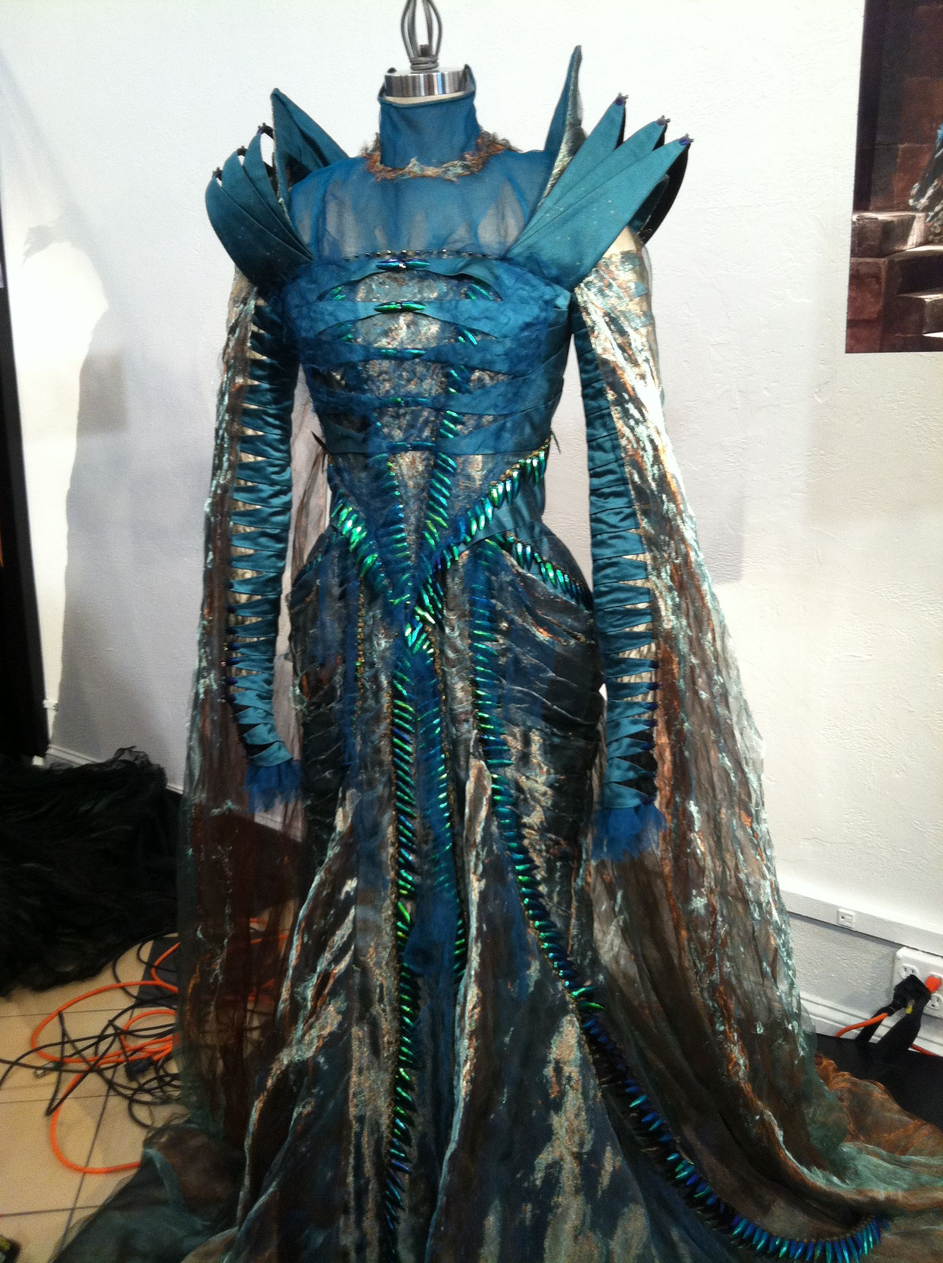 Costume Designer Colleen Atwood Talks Snow White And The Huntsman And Working With Johnny Depp In The Thin Man With Images Colleen Atwood Fantasy Dress Fantasy Fashion