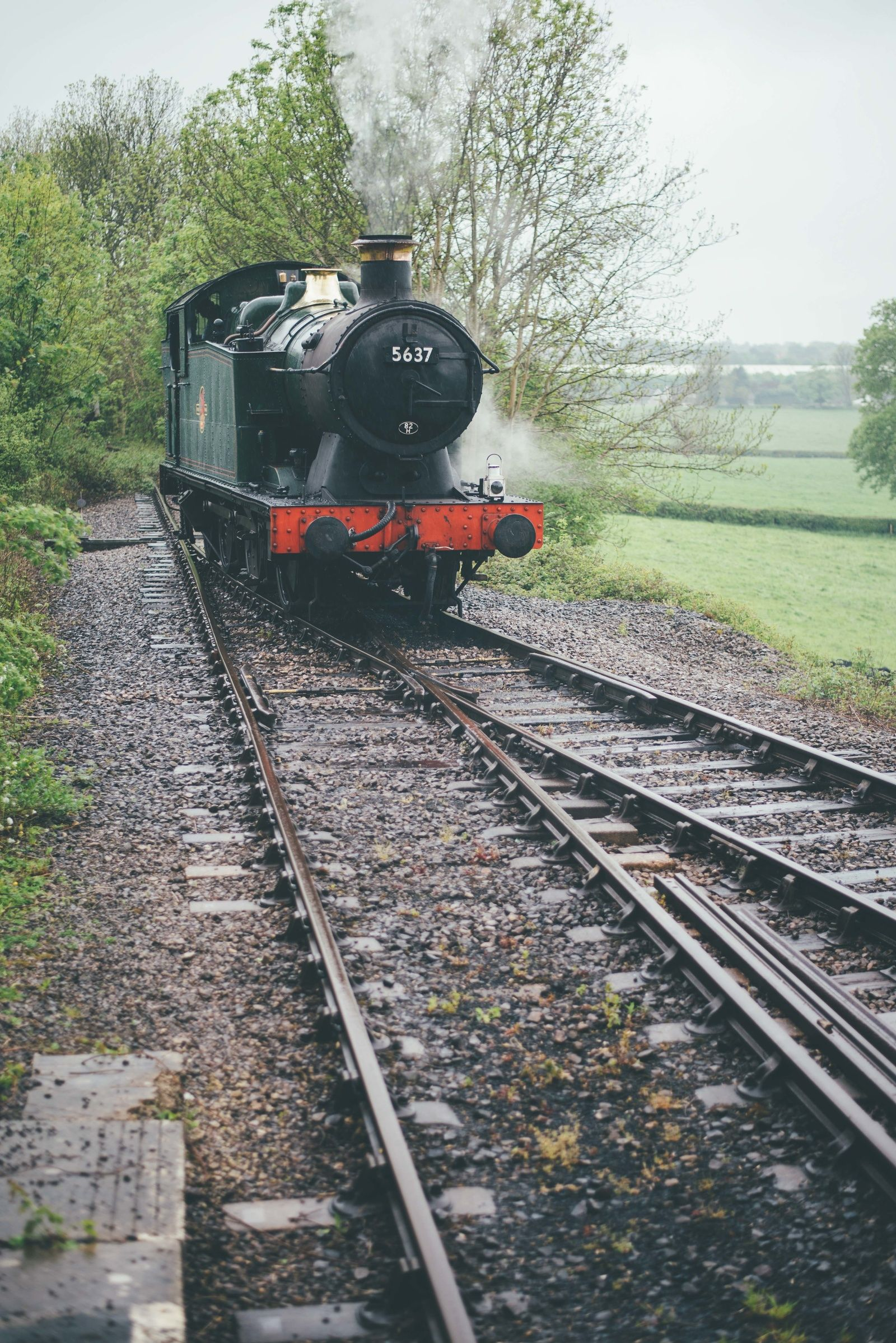 Steamtrain. East Somerset Railway, Cranmore Station. Engagement shoot.  Matt Fox Photography - Blog
